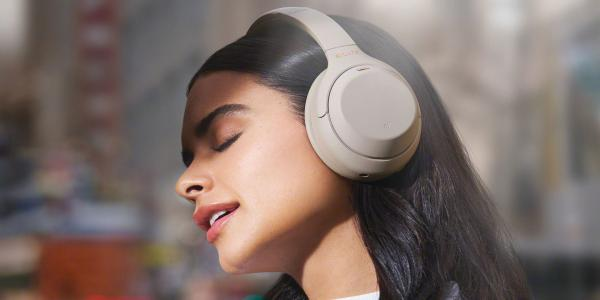 Diwali gift guide: Five best over-ear wireless headphones to buy under Rs 10,000